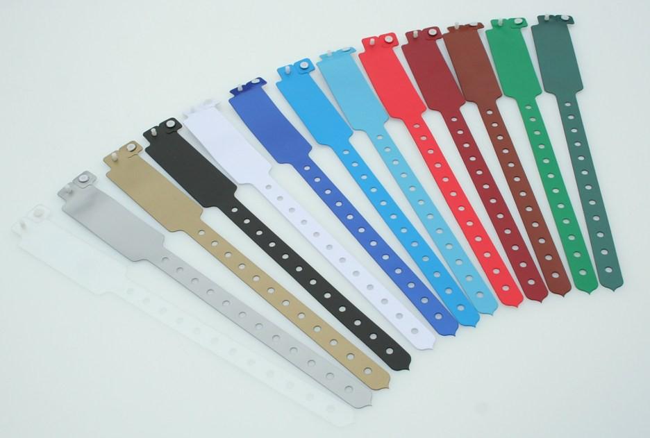 Les bracelets événementiels proposés par la société Etigo.